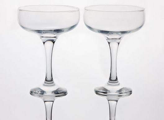 champagne saucer glasses